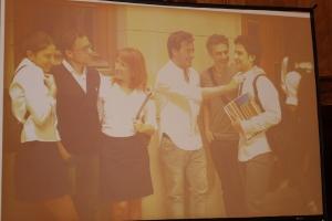 Representacion actoral de una Familia Homoparental, Fotografia de la Campana Mas inclusion sin Bullying