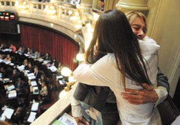 """La Ley nacional de """"Muerte digna"""" se sancionó hace más de un año con unanimidad en la Cámara de Senadores tras un debate de cuatro horas. Fuente: Página/12 (http://www.pagina12.com.ar)"""