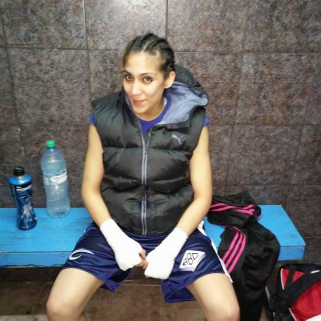 """Antes de subir al ring, último victoria de Carabajal. Fuente: Facebook """"Karen Carabajal"""""""