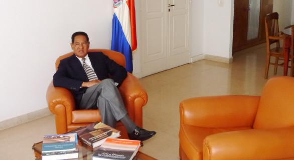 Embajador de República Dominicana, Luis Arias. Cortesía de http://embajadadominicana.com.ar/nuevoembajadordominicano/
