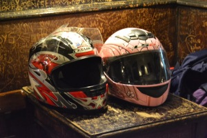 Motociclistas Argentinas en un bar de San Telmo. Foto: Andrea Kain