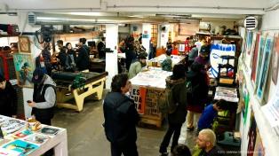 En el taller donde se celebra el ART Sale, las herramientas de trabajo se vuelven un elemento más de inspiración.